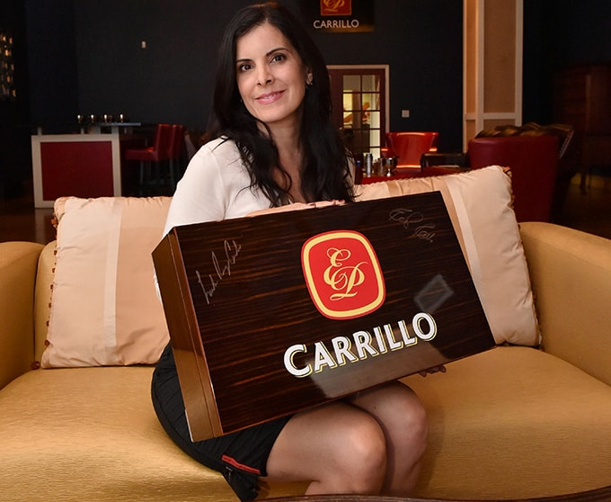How To Store Cigars - Lissette with Humidor